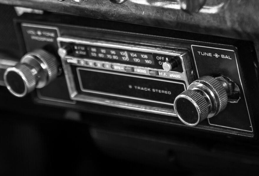 In 1963, Van Berge Henegouwen installed the first car radio on board a yacht.